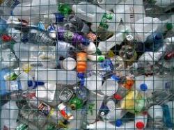 В США планируют производить пластмассу с добавками, облегчающими биодеградацию